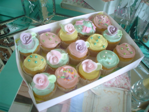 Shabby chic mini cupcakes