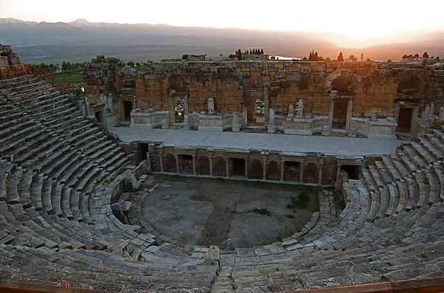 Teatro de Hierápolis // Theatre of Hierapolis  Explore andr…  Flickr - Phot...