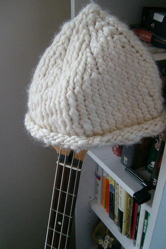 White knit hat by zenia