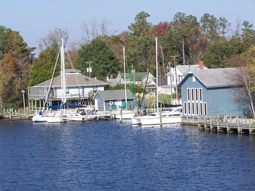 rural marina boats northcarolina oldbuildings columbia shore rivers slips scuppernongriver emptyplanet