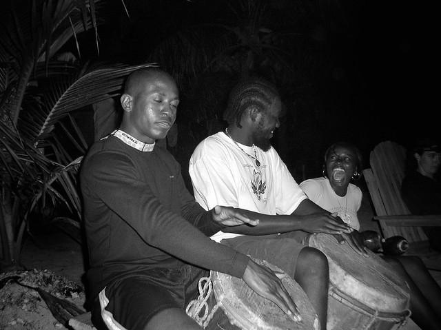 Glover atoll 36  B&W