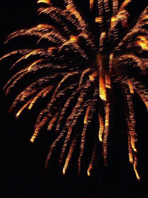 Feuerfinger vom Feuerwerk umfächert uns in Dresden 040