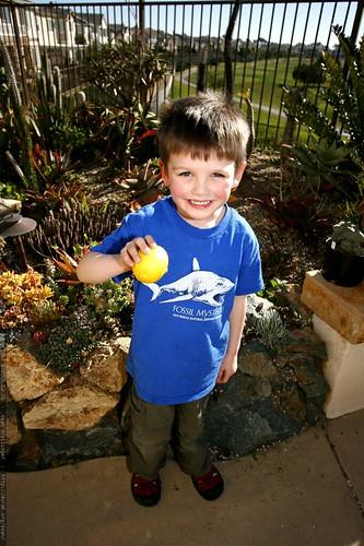 nick and his yellow lime    MG 9728