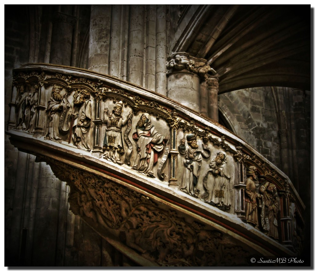Choir staircase / Escalera del coro