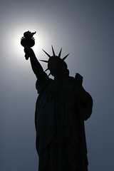 Statue of Liberty Silhouette [iOS4 Retina Display]