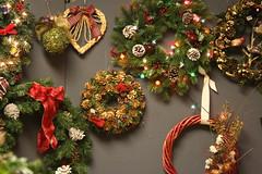 tree(0.0), christmas tree(0.0), decor(1.0), flower arranging(1.0), christmas decoration(1.0), floristry(1.0), christmas(1.0), wreath(1.0),