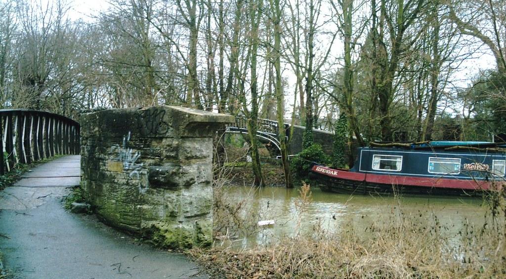 Book 1 Walk 13 (Oxford round) Oxford Canal. D.Allen Vivitar 5199mp