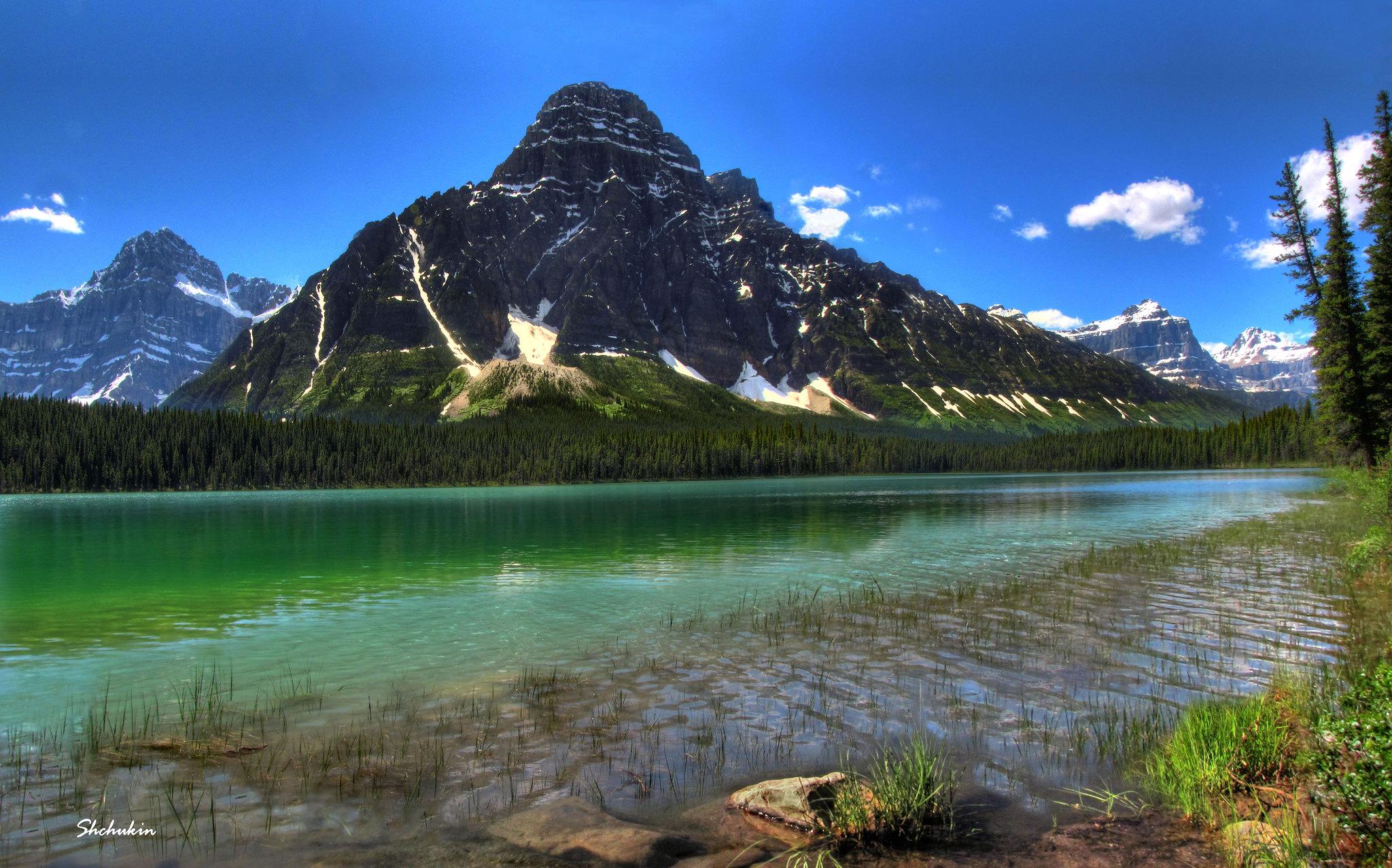 Mistaya Lake