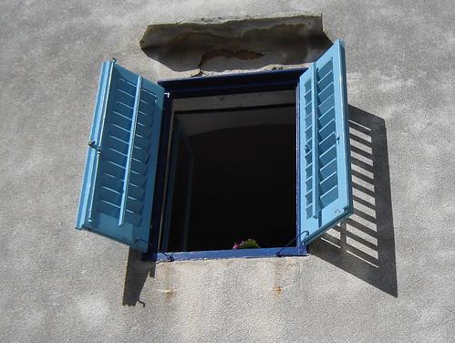 blue-window1