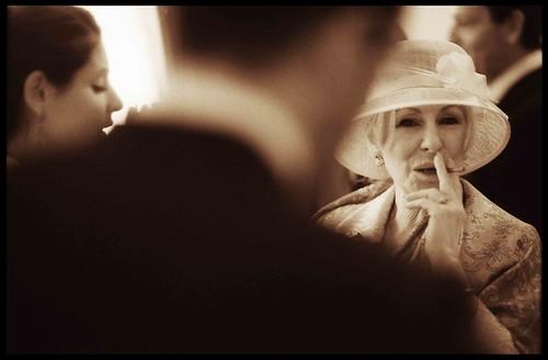 wedding portraits - elegant aunt by Edward Olive Fotografo de boda Madrid Barcelona