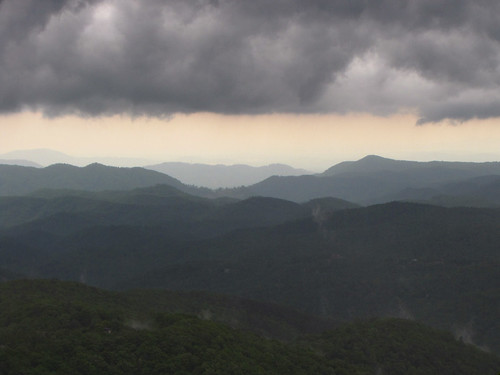 cloud storm northcarolina blueridgeparkway appalachianmountains westernnorthcarolina yadkinvalleyoverlook thunderhilloverlook southernappalachians ccbyncsa canonpowershotsx10is