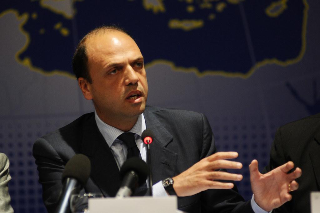 L'allarme del Ministro Alfano sulla minaccia dell'Isis all'Italia, nuovi strumenti per difendere il Paese