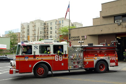 "E068e FDNY ""Yankee Bombers"" Engine 68, Highbridge, Bronx, New York City"