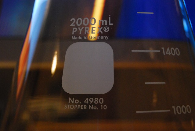 how to tell if pyrex is borosilicate glass from logo