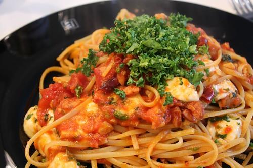 旦那クッキング - mozzarella and basil with tomato sauce
