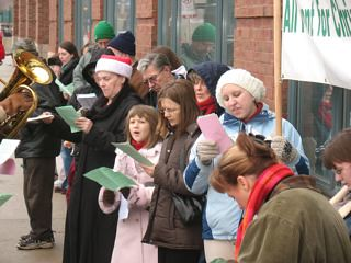 2007-12-15 Empty Manger Caroling Day Chicago