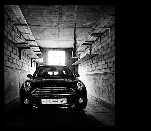 ~~ B&W Mini-Car ~~
