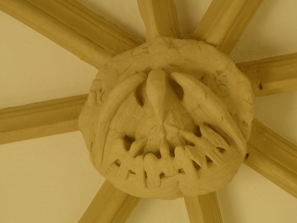 ceiling boss A pelican, perhaps? Church of st Peter ad Vincula - Coggeshall Kelvedon circular