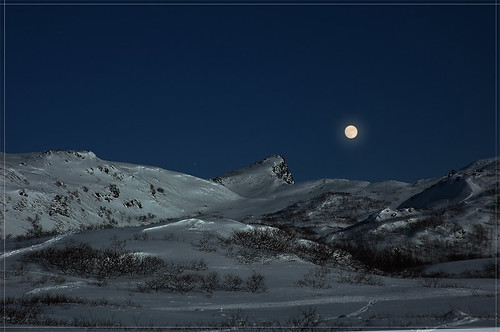 Full-Moon-over-Kartstaven