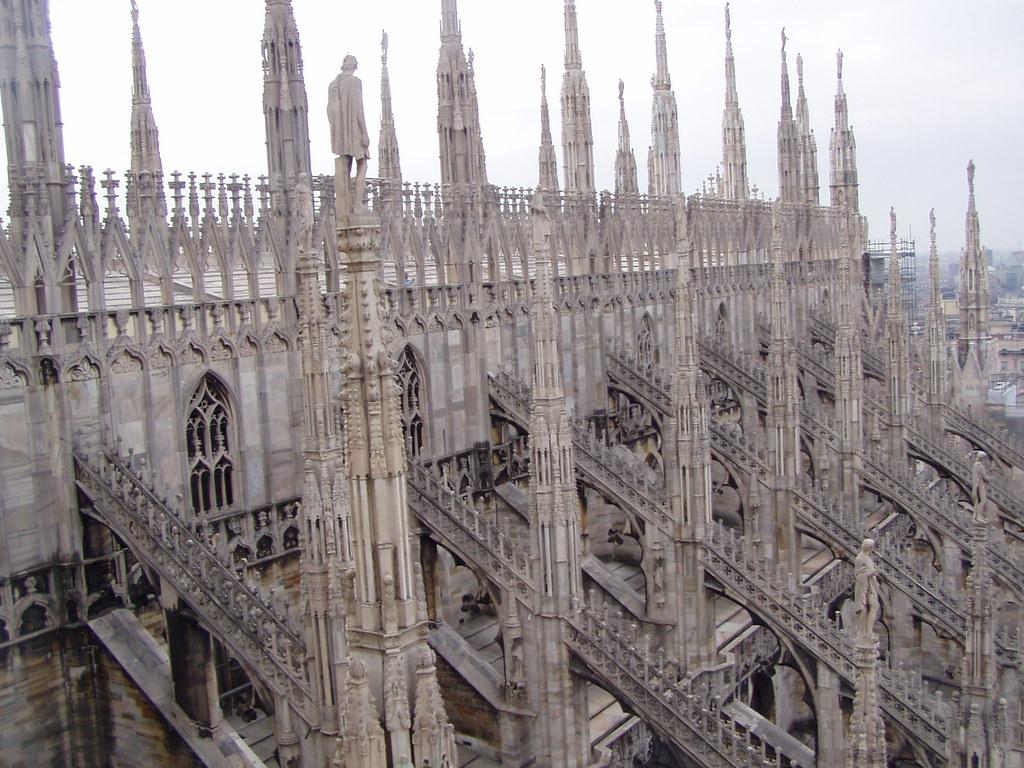 Duomo di Milano, contraforti, archi rampanti e pinnacoli