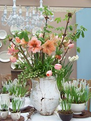 cut flowers(0.0), flower bouquet(0.0), ikebana(0.0), retail-store(0.0), art(1.0), flower arranging(1.0), flowerpot(1.0), flower(1.0), artificial flower(1.0), floral design(1.0), plant(1.0), centrepiece(1.0), vase(1.0), floristry(1.0),