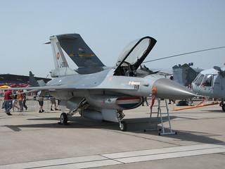Vorderansicht: F-16AM