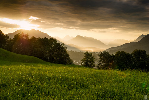 nature backlight sunrise landscape austria österreich bravo chapeau liechtenstein alp gettyimages spectacle vorarlberg schellenberg morningspirit bratanesque goldenmorninglight
