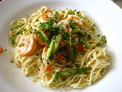 vegetable, mie goreng, italian food, fried noodles, lo mein, bucatini, spaghetti, pasta, clam sauce, spaghetti aglio e olio, food, dish, chinese noodles, capellini, carbonara, cuisine, chow mein,
