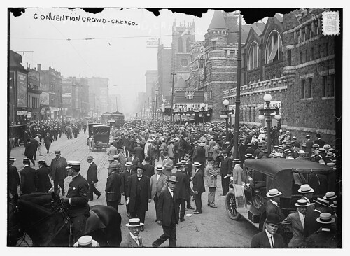 Crowd outside the Chicago Coliseum in 1912