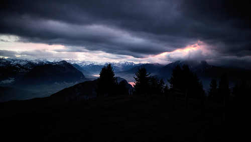 m2402527 rangefinder messsucher leica leicam mp typ240 35lux 35mmf14asph 35mmf14asphfle summiluxm rigi weihnachten sunset sonnenuntergang vierwaldstättersee sky clouds landscape analogefexpro2 niksoftware switzerland schweiz suisse svizzera svizra europe innerschweiz ©toniv 2016 161224 alps alpen pilatus
