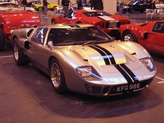 race car(1.0), automobile(1.0), vehicle(1.0), performance car(1.0), automotive design(1.0), auto show(1.0), ford gt40(1.0), ford gt(1.0), land vehicle(1.0), supercar(1.0), sports car(1.0),