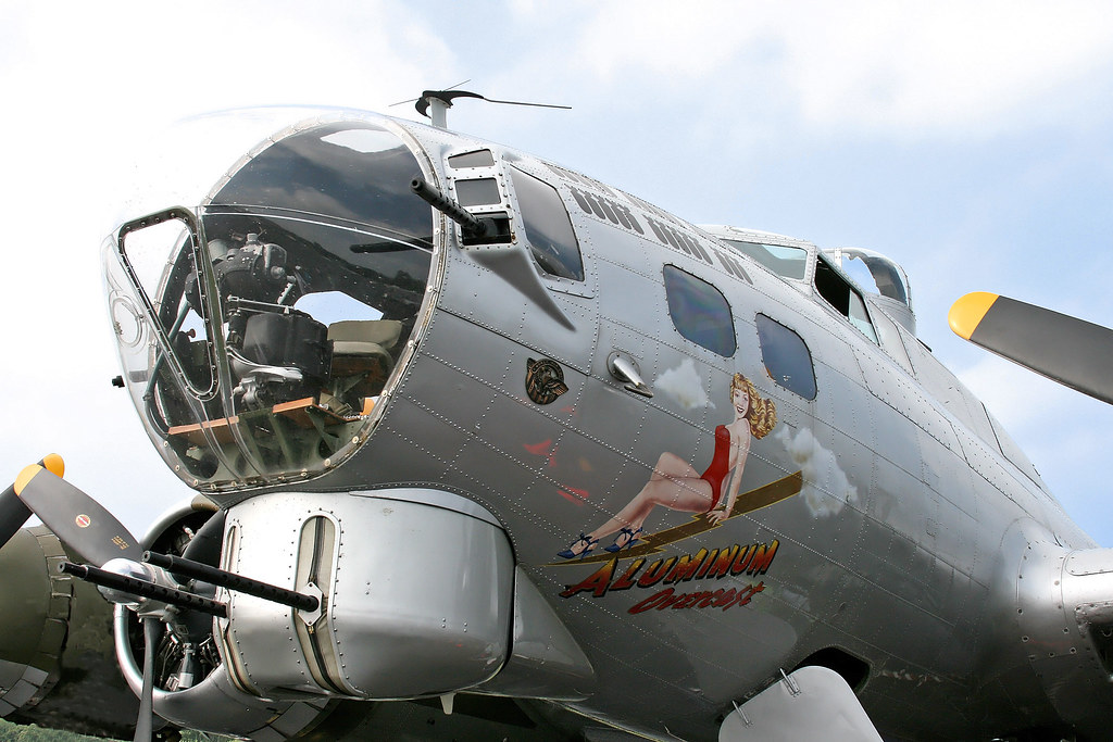 "Boeing B-17G Flying Fortress ""Aluminum Overcast"" (N5017N - 44-85740) Nose Art"