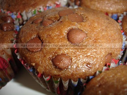 Muffin de chocolate com gotas de chocolate