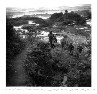 Onze Jongens op patrouille bij Toba meer, Sumatra 1949