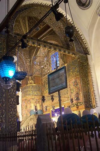 Oro recubriendo la turma de Rumi konya - 2513562546 a05eba0b8f - Konya, el cinturón religioso de Turquía