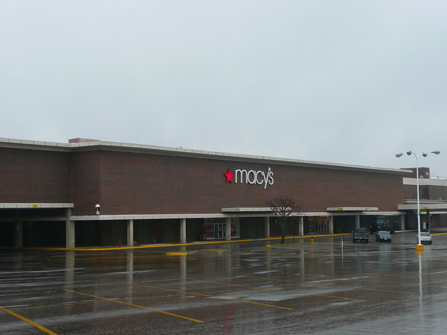 Overland Park, KS Metcalf South Shopping Center (a dead mall) Macy's