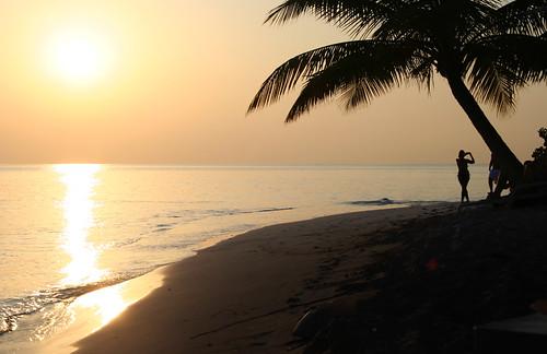 sunset woman beach girl silhouette geotagged indianocean maldives fihalhohi fihalohi geo:lat=3876736 geo:lon=73365385
