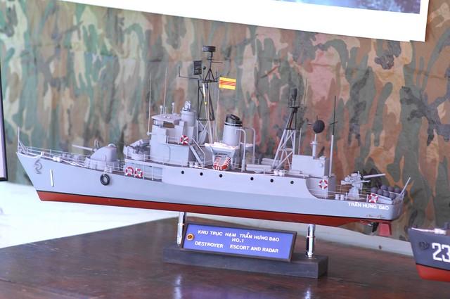 Khu Trục Hạm HQ 1 Trần Bình Trọng
