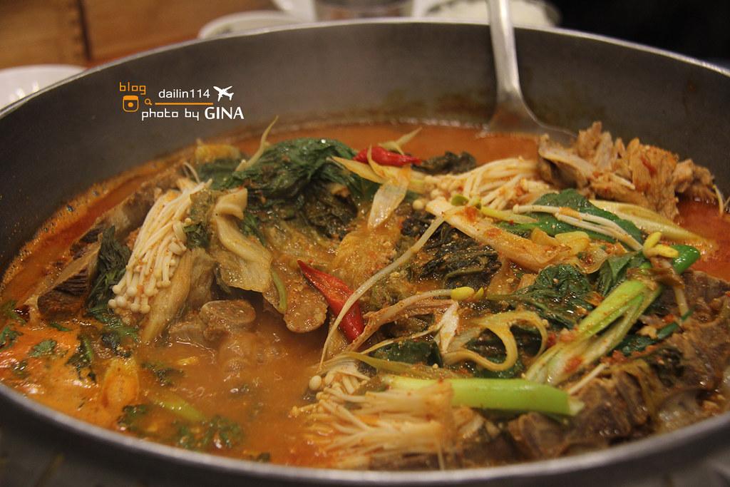 【釜山美食】馬鈴薯排骨湯|海雲台附近美食|Centum City站 @GINA LIN
