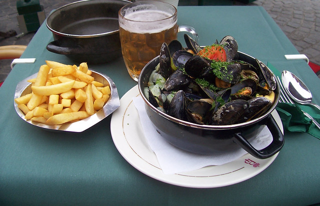 Moules Frite by CC user unorthodoxy on Flickr