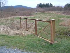 outdoor structure(0.0), split rail fence(0.0), prairie(1.0), fence(1.0), pasture(1.0),