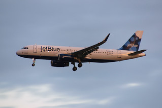 "Jet Blue Airbus A320-232 N827JB ""It Takes Blue to Tango"""