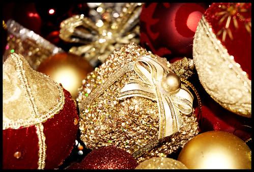 christmas red holiday gold nikon box pennsylvania explore ornament d200 karácsony piros montgomerycounty blueribbonwinner arany nikond200 dísz flickrsbest doboz abigfave ünnep excellentphotographerawards