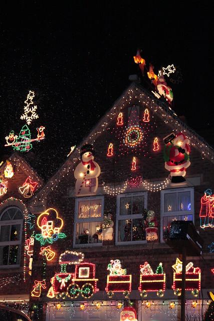 2140441331 00e0014d04 z crazy christmas houses