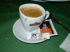 Cafe cortado como dios manda.