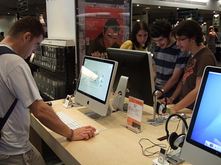 Viewing new computer in Spain
