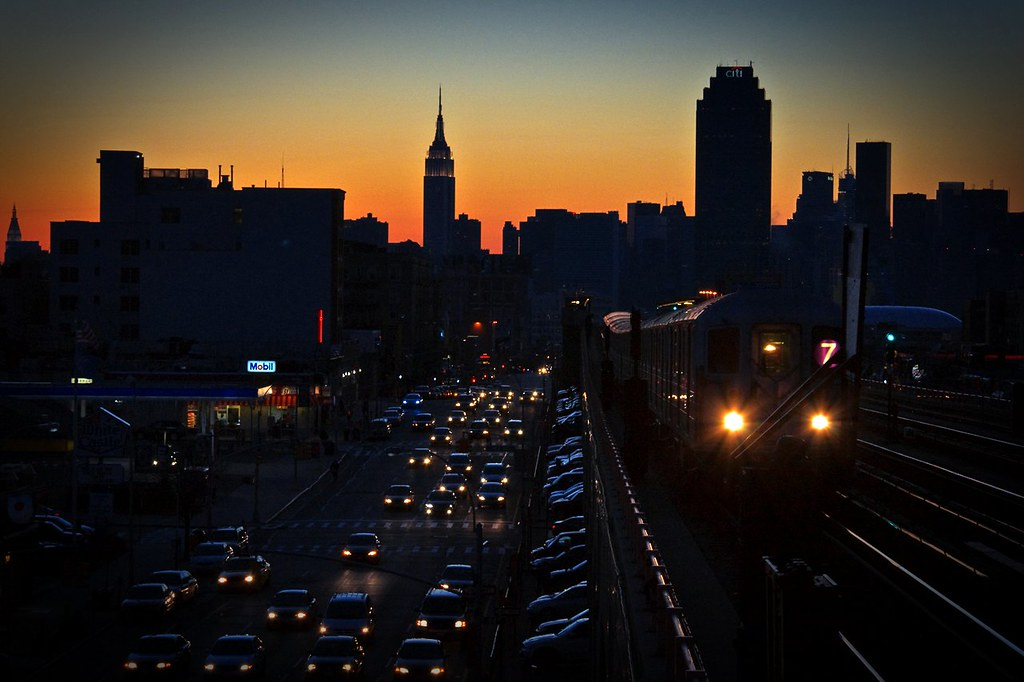 subway NYC view 7 train sunnyside/woodside sunset.