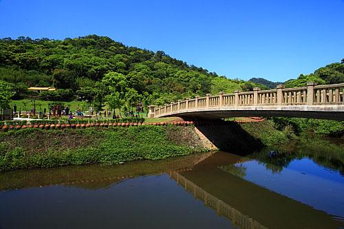Z436慈湖紀念雕塑公園