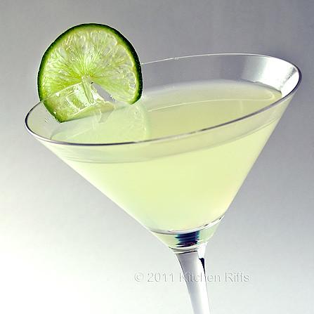 Kitchen riffs classic daiquiri cocktail for Cocktail daiquiri