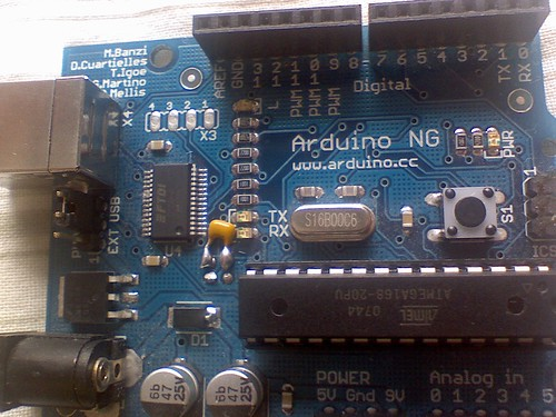 Arduino NG with Capacitor mod for auto-reset